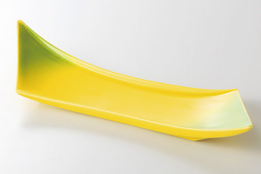黄釉ヒワ吹 剣型付出皿