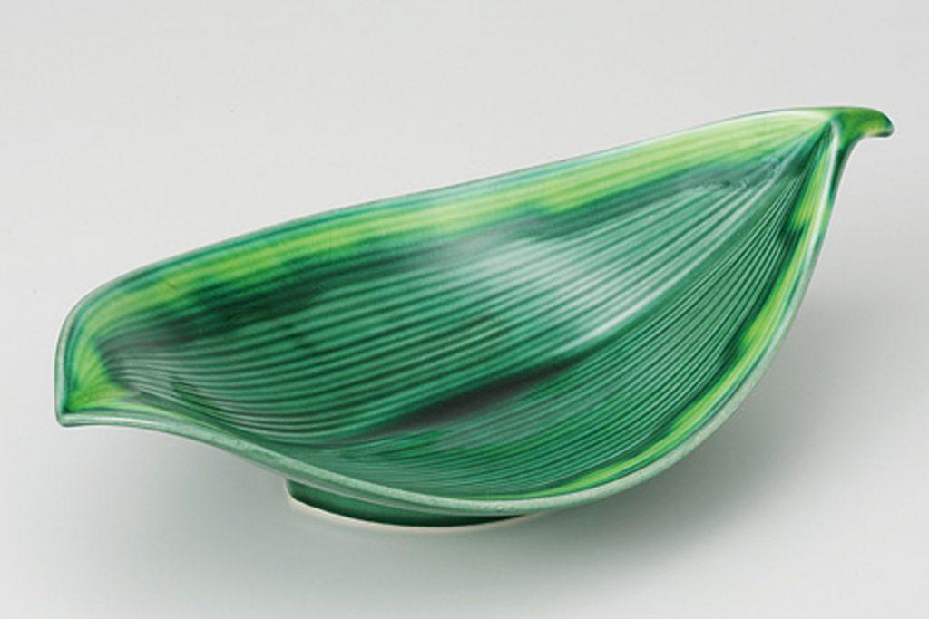 緑釉黄流し 葉型8.5向付
