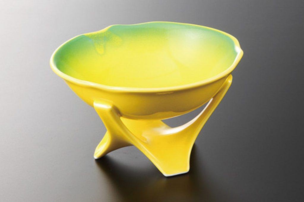 黄釉ヒワ吹き 三ツ足高台鉢