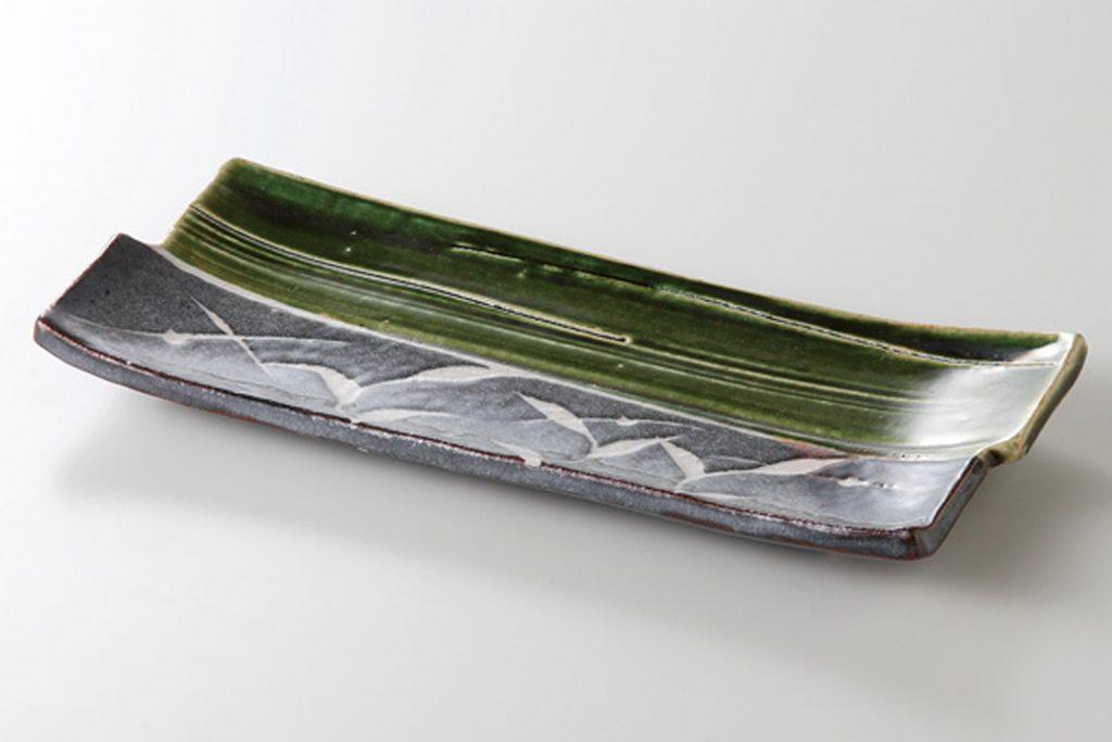 織部芦 焼物皿 (玉山窯)