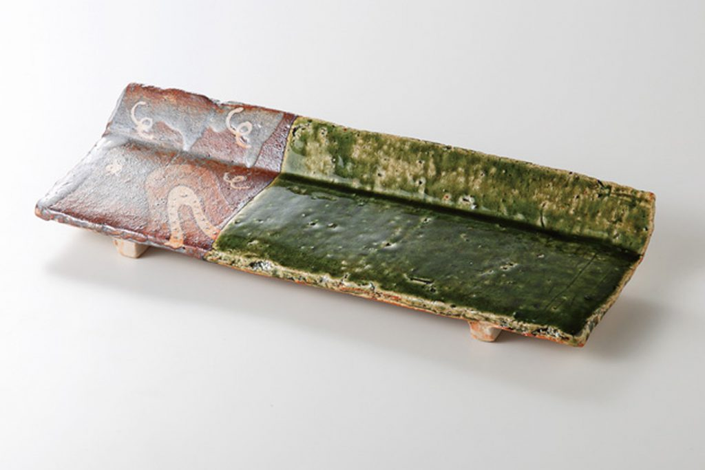 織部錆絵 片上り長皿 (玉山窯)