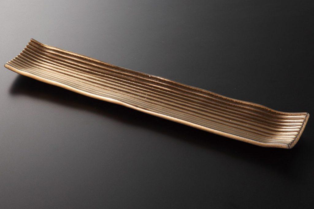 炭化金彩 線彫細長皿