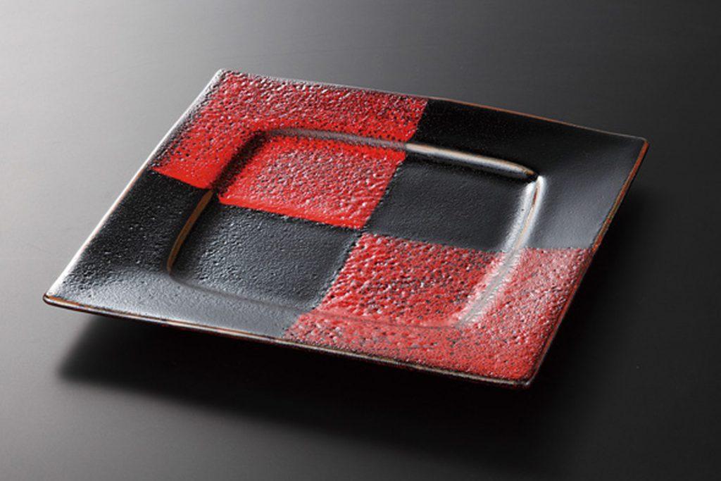 赤黒釉彩市松 8.0角前菜皿