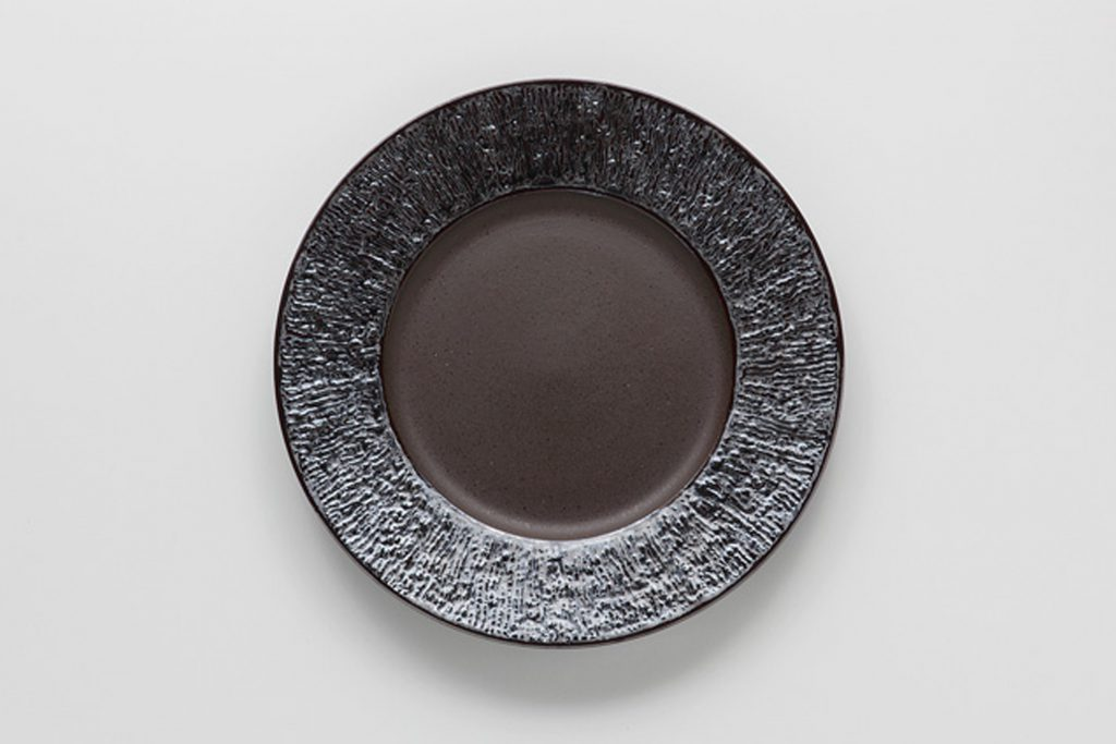 炭化虹彩 リム丸皿(小)
