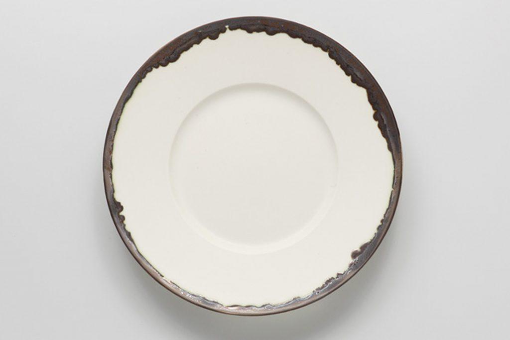 白釉金流し リム丸皿(中)