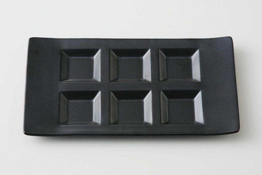 黒 シックスプレート